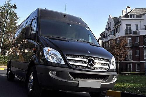 房车旅行新时尚:在风景里移动的家 - 奔驰商务房车尊逸c